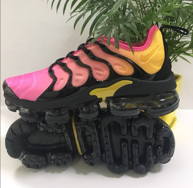 men NIKE AIR VAPORMAX PLUS 2018-026