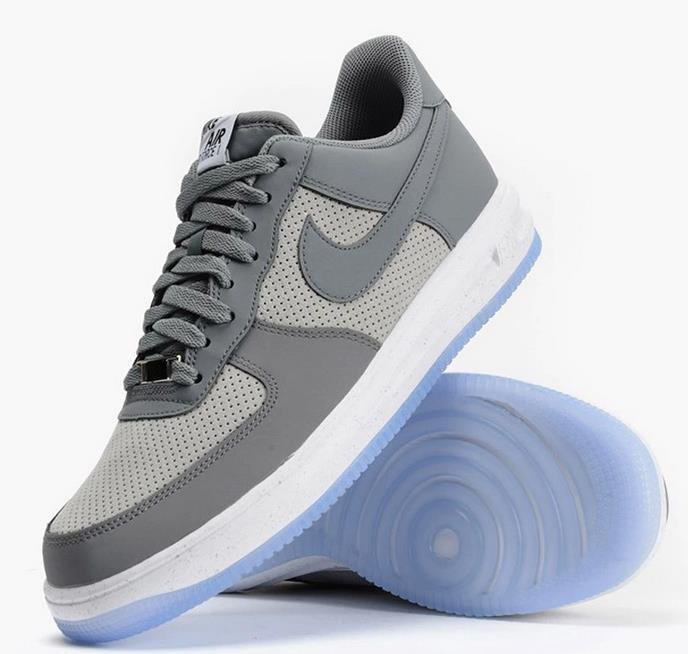 men air force one low 2016-3-29-004