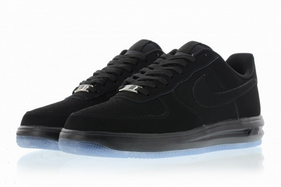 men air force one low 2016-3-29-011