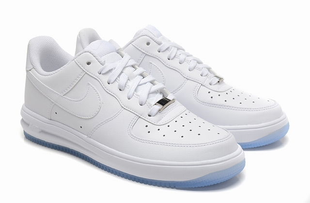 men air force one low 2016-3-29-042
